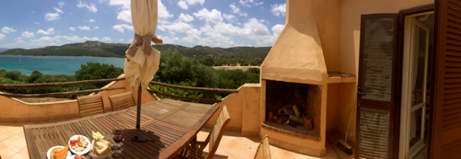 Villa Mimosa Terrasse mit Blick auf das Meer