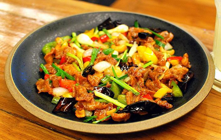 Hühnerfleisch mit Gemüse und Cashew Nuts